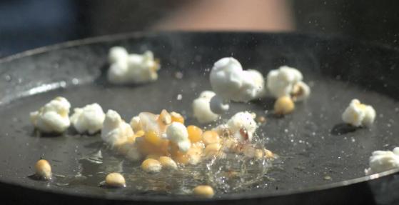 Wie sieht eigentlich Popcorn in Superzeitlupe aus?