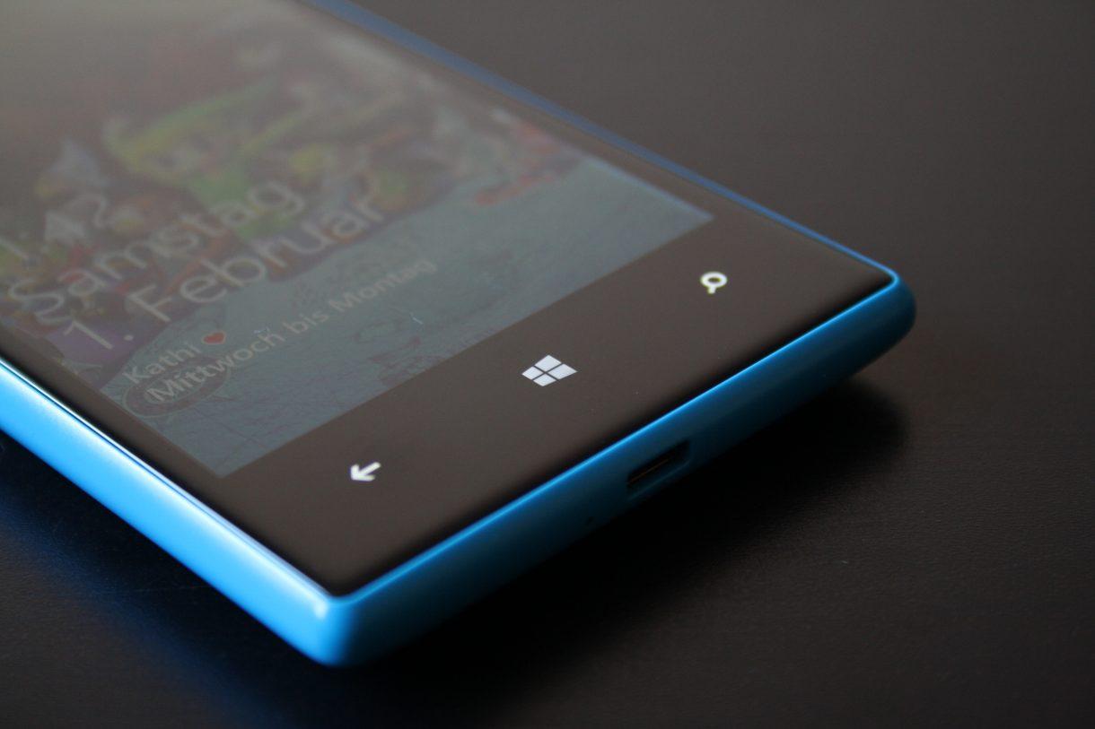 01 - Nokia Lumia 720
