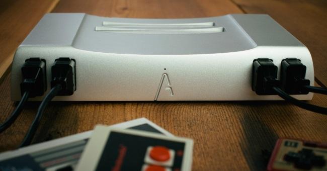 NES aus Aluminium – Analogue Interactive macht's möglich