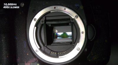 Die Auslösung einer Spiegelreflexkamera in Zeitlupe (10.000 FPS)
