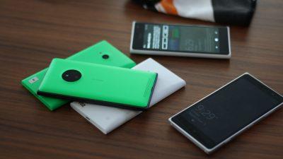 Nokia Lumia 830 mit einigen Lumia 730
