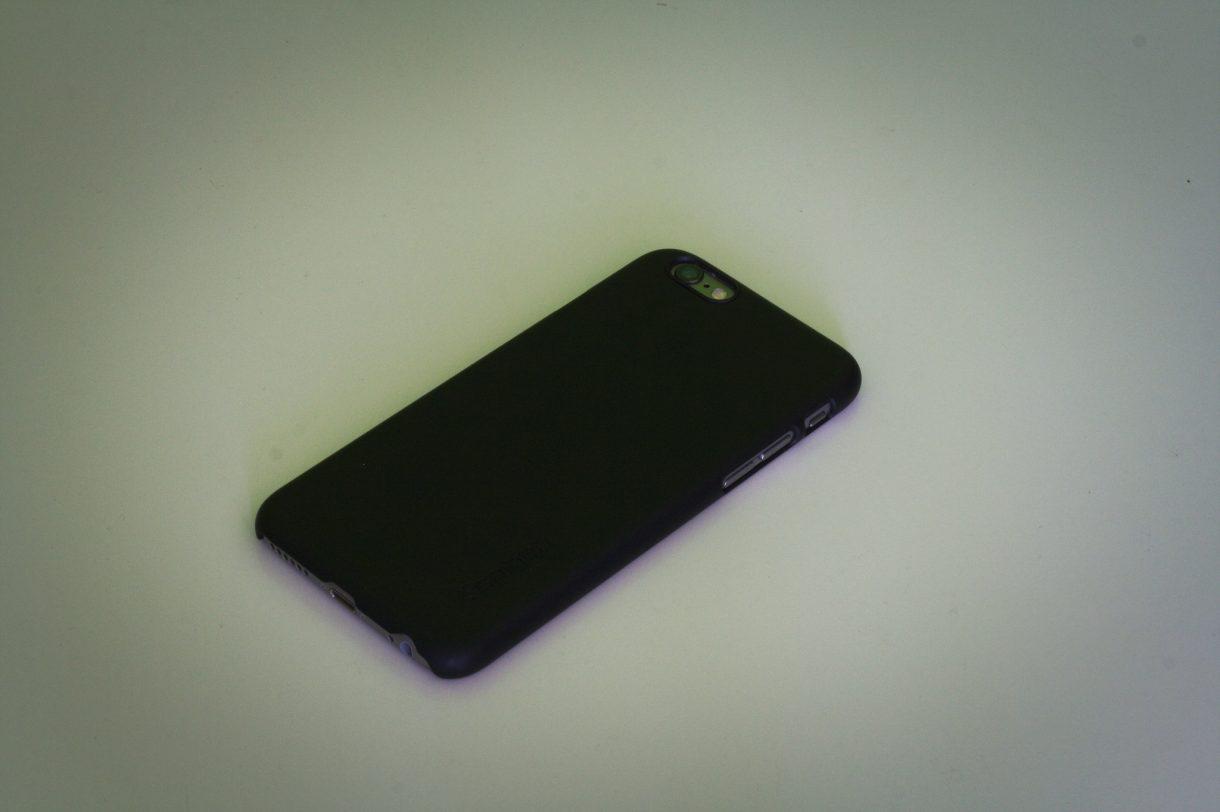 iPhone 6 Test mit Hülle von hinten