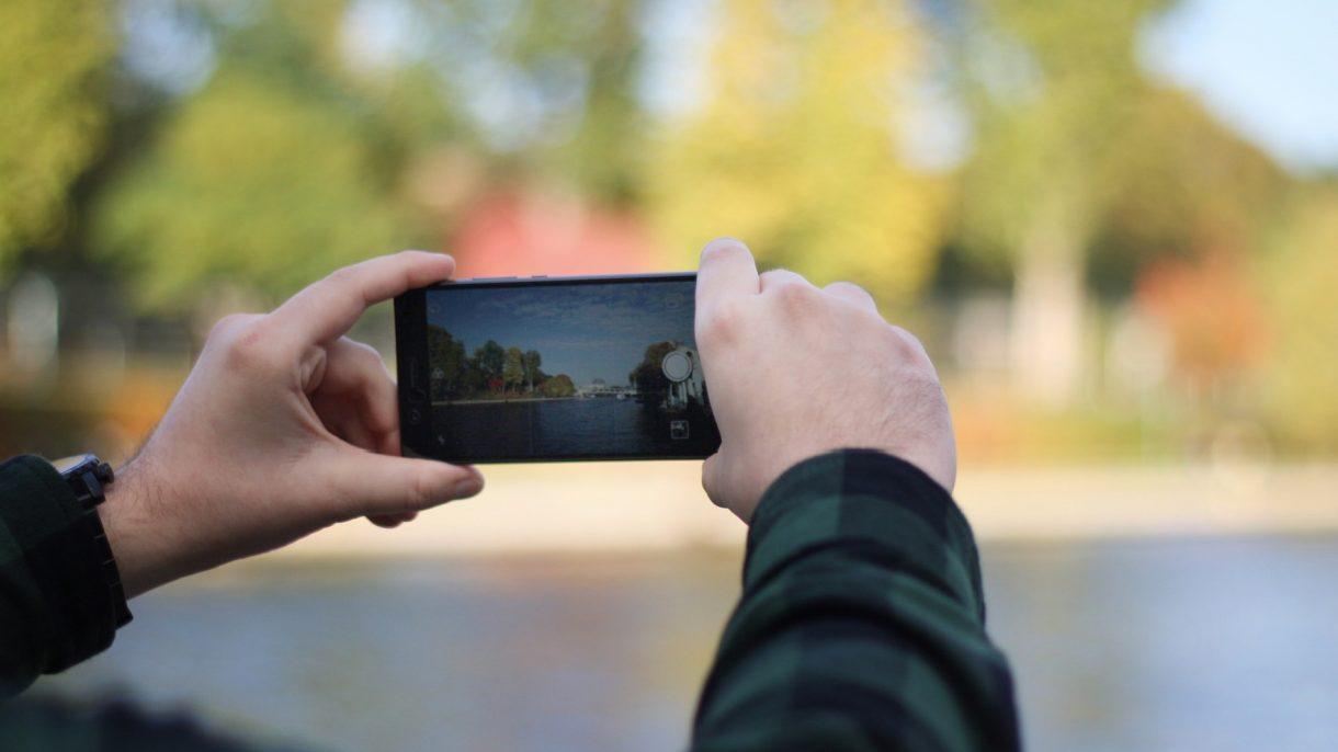 Huawei P9 Lite beim fotografieren